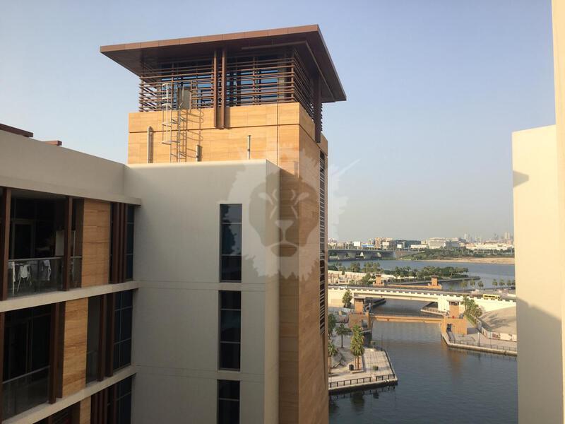 Waterfront Living Studio Apartment / Best Price!