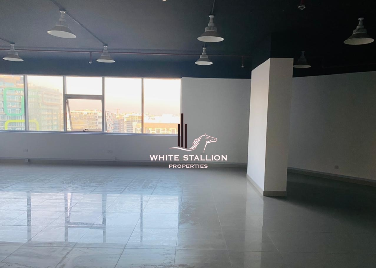 CALL MUFADDAL HUNAID +971 55 840 9211 Chiller Free + High Floor Office in DSO + 38K by 4 Chqs